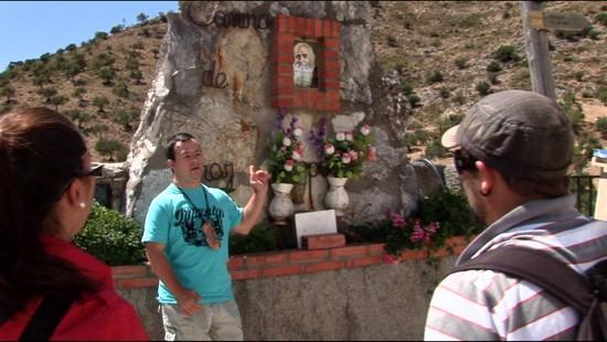 Fotograma del documental Luces de Colores, realizado con metodologías de audiovisual participativo por Trasfoco Escuela Audiovisual Itinerante para no Audiovisualistas en la Serranía de Ronda, Málaga