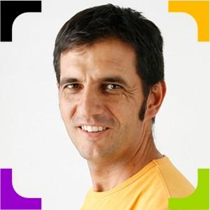 José Luis Fernández Parrilla (Pepcandela), es docente y creador de Trasfoco Escuela Audiovisual Itinerante para no Audiovisualistas, ubicada en Santiago de Chile y España